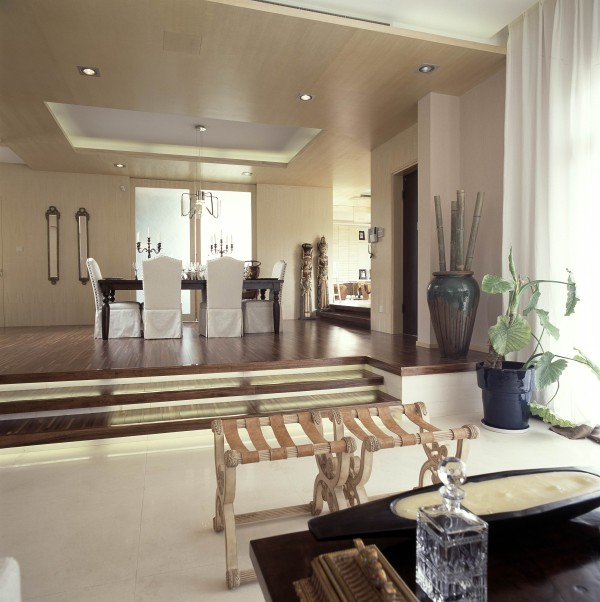 主张在有限的空间发挥最大的使用效能。家具选择上强调让形式服从功能,一切从实用角度出发。