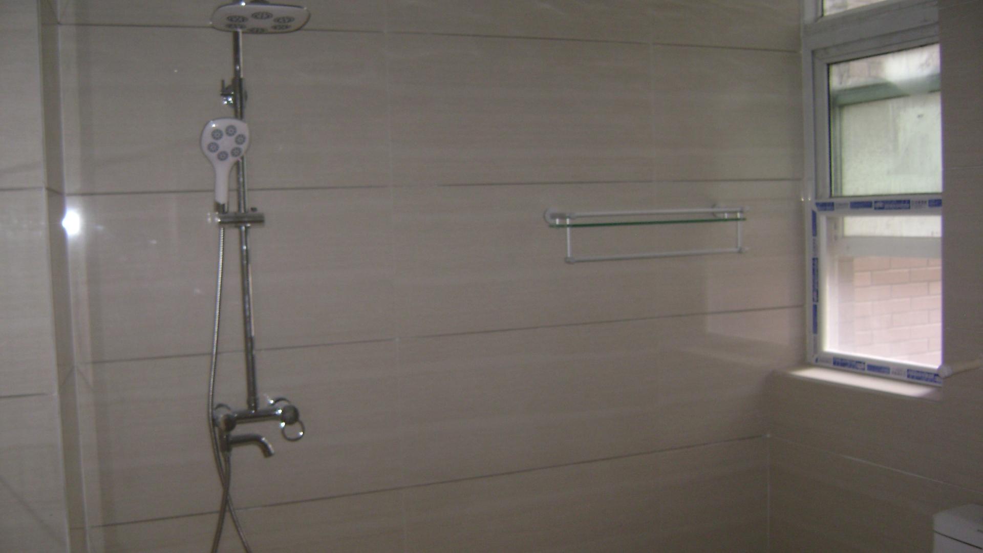 简约风格 祝福红城 现代简约 三居 卫生间图片来自超凡装饰季国华在祝福红城在施工工地实景样板间的分享