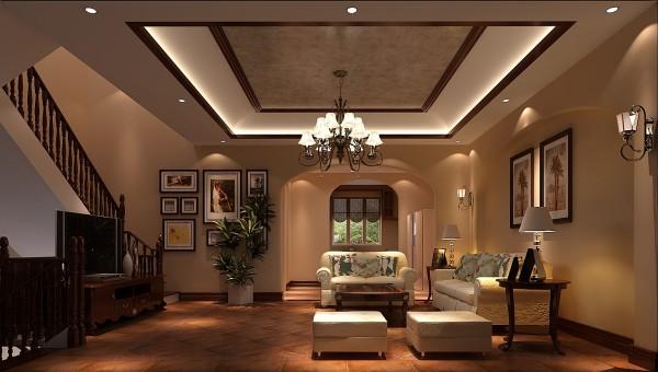 本居室以仿古砖,木梁吊顶,拱形垭口,顶面石膏镂缝等元素营造了托斯卡纳风格。