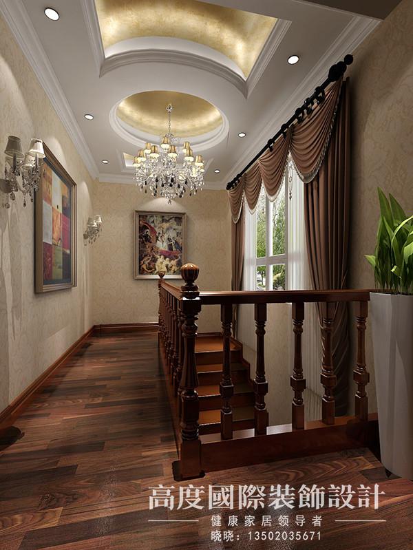 楼梯间是会客区通往生活区的衔接处,吊顶选用空心圆与金箔的结合,奢华而不是个性,再加上一些壁画的装饰,很有情调。