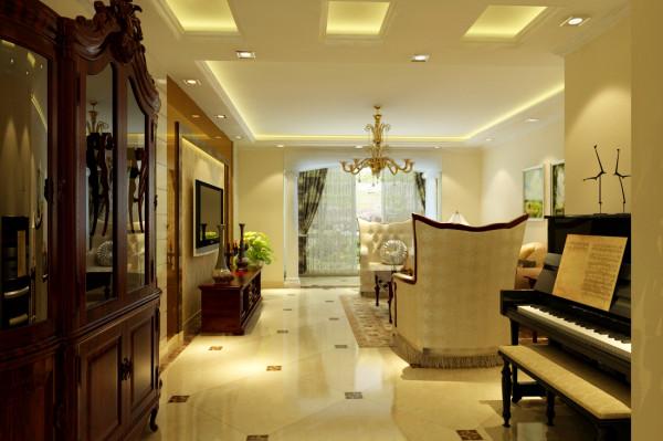 通过顶面的装饰,带给家人不尽的舒服视觉感,电视墙面的一些造型设计展现了居室的豪华大气和更多的惬意和浪漫。