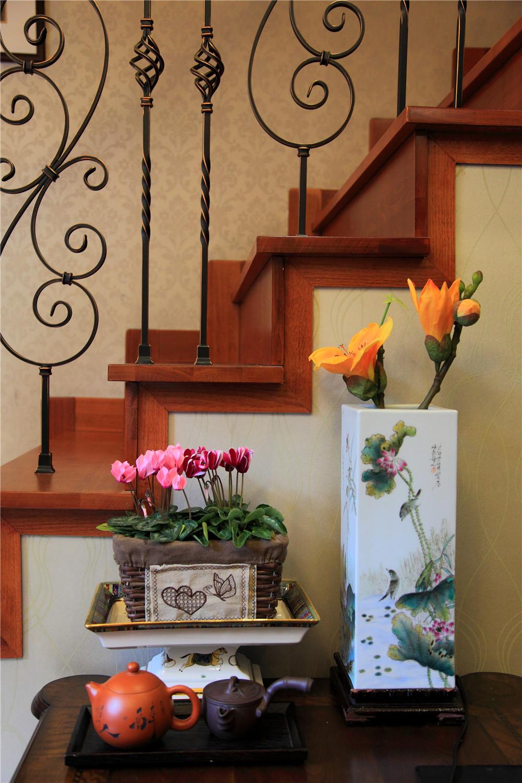 简约 欧式 高度国际 三居 白领 80后 小资 小清新 浪漫 楼梯图片来自北京高度国际装饰设计在润泽公馆浪漫三居实景的分享