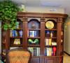 古色古香的书架,更加彰显业主的身份与气质