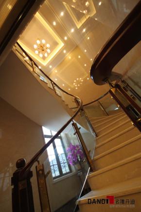 新古典 别墅 天湖郦都 名雕丹迪 别墅装饰 豪宅设计 高富帅 楼梯图片来自名雕丹迪在新古典—398平贵族别墅装饰的分享