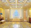 主人一直想要个非常宽敞的卫生间,于是设计师将各功能区均分开