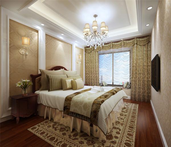 欧式客厅顶部用大型灯池,并用华丽的枝形吊 灯营造气氛。门窗上半部做成弧形,并用带有花纹的石膏线勾边,室内则有壁灯造型。墙面用优质乳胶漆,以衬托豪华效果