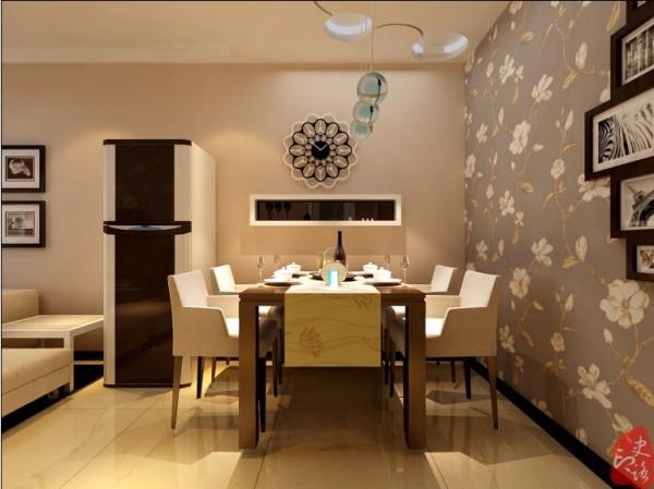 餐厅区域墙面壁纸,针对餐桌位置做了顶面造型,与电视背景墙造型呼应。