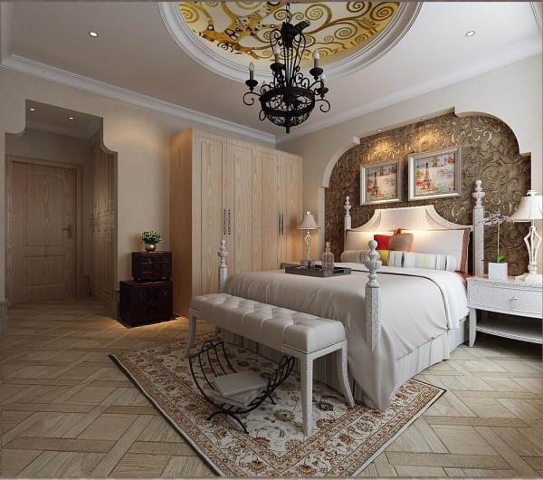 儿童房做了欧式特有的凹拱形设计,从入门口到床背景连相呼应