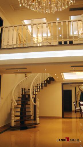 欧式 别墅 高富帅 公园大地 别墅装修 高端豪宅 名雕丹迪 楼梯图片来自名雕丹迪在欧式—270平高端别墅豪宅装修的分享