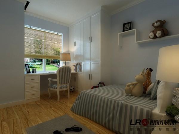 儿童房只是简单的走了一圈边顶,造型简单实用,安静清爽。