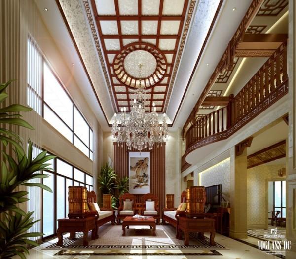 为将中式风格的大气表现出来,设计师对客厅进行了挑空处理,并在背景墙张贴一副巨形泼墨山水画,搭配低矮变形的八仙桌,体现的是中国文化中的方正、和谐,表现出中式风格的宽宏。