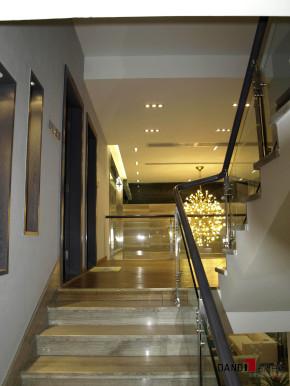 现代 别墅 碧日湾 高富帅 时尚空间 名雕丹迪 楼梯图片来自名雕丹迪在现代风格—320平灰色前卫空间的分享