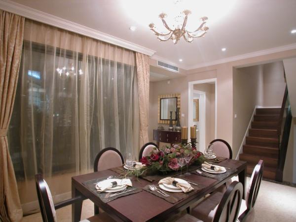 古典 跃层 装修设计 图片 温馨 餐厅图片来自香港古兰装饰-成都在古典跃居设计温馨的家的分享
