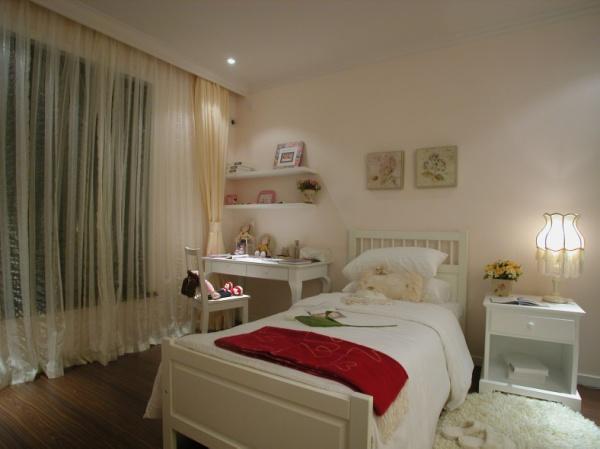 古典 跃层 装修设计 图片 温馨 卧室图片来自香港古兰装饰-成都在古典跃居设计温馨的家的分享