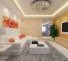 在软装搭配上以皮质的沙发和布艺为重点,室内搭配绿植和挂画增加了空间的情趣性。