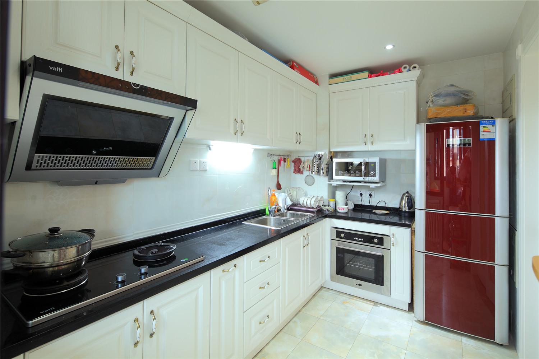 厨房图片来自沙漠雪雨在御翠尚府15万打造 欧式实景典范的分享