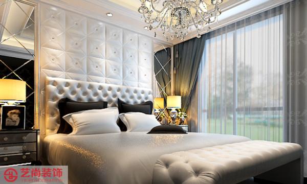 卧室好舒服哦,软包背景墙,车边境添加,显的主人很有品味,格调。