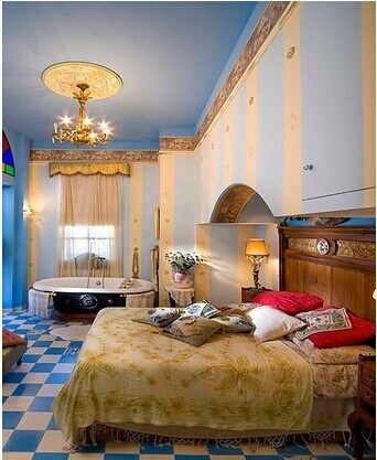 蓝白色调浪漫而沉静,蓝色清透与白色的安静相互映衬,有着海一般的梦幻感觉,优雅的配色似如歌的行板,浪漫温馨,装点出如水一般纯净又内涵丰富的卧室氛围。