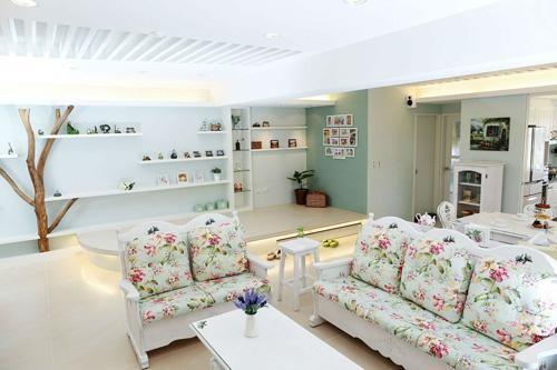 碎花、条纹、苏格兰图案是英式田园风格家具的永恒的主调。