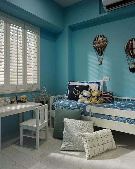 高度国际 地中海 三居 小资 80后 90后 卧室图片来自凌军在无拘束的家住在海天一线的蔚蓝中的分享