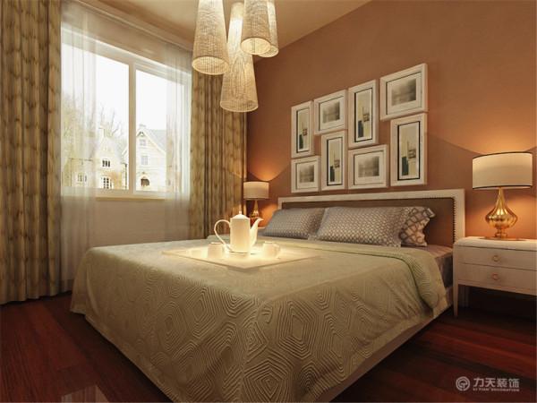卧室位于房间的西面,卫生间被包含在卧室里面,使用空间相当大,采光通风性良好相对一般,因为无窗户,不过可以通过后期装修和灯光设计来改变采光不足的问题。