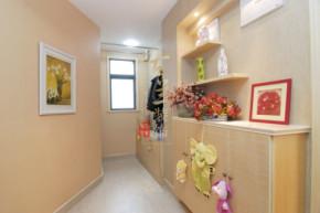 现代 三居 温馨 小清新 装修设计 玄关图片来自香港古兰装饰-成都在暖色调清心时尚温馨小窝的分享