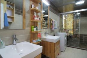 现代 三居 温馨 小清新 装修设计 卫生间图片来自香港古兰装饰-成都在暖色调清心时尚温馨小窝的分享