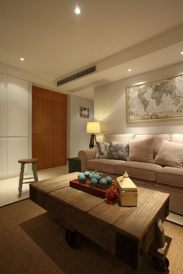 客厅,温馨而又实用。