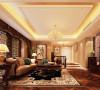 布局上并没有局限于传统的轴线的对称,使得空间变的更加灵活自如。恢宏的气势,豪华舒适的家私、吊灯。顶面粘贴金箔,不仅营造了气氛,更加彰显贵族风格,高贵典雅,奢华大气。