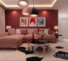 沙发背景墙和入户的局部为红色系,沙发背景墙为反光较强的仿皮革的灰色系墙砖,红色系和灰色系的大面积的搭配为整个空间的设计增加了一种个性的与众不同的感觉
