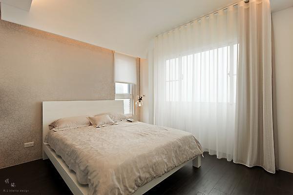 卧室图片来自亚光亚装饰在龙山华府-三室-现代的分享