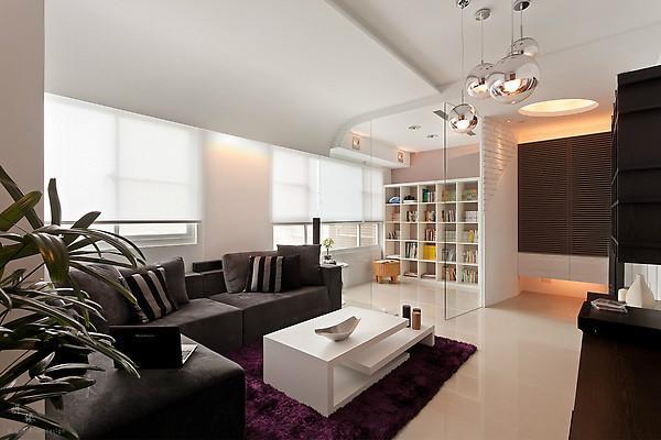 客厅图片来自亚光亚装饰在龙山华府-三室-现代的分享