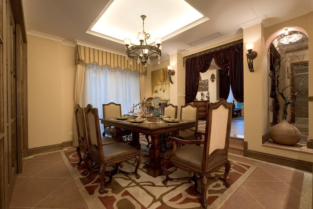 美式 别墅 舒适 大气 奢华 餐厅图片来自武汉实创装饰在玉龙岛美式乡村别墅的分享