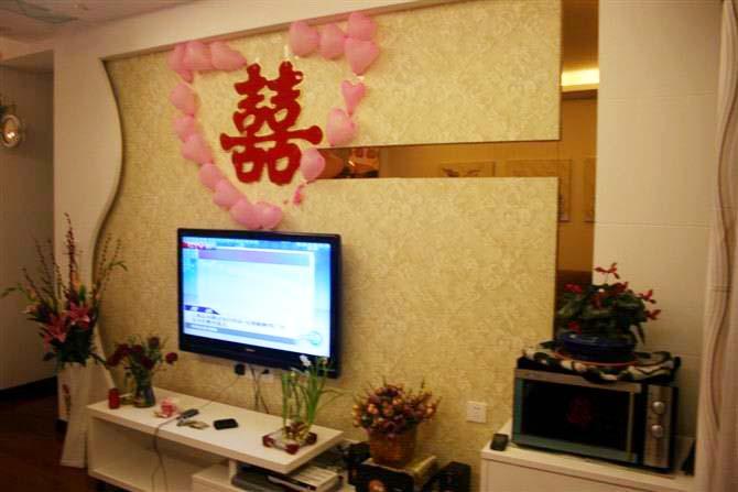 简约 二居 白领 80后 婚房 客厅图片来自武汉实创装饰在汉阳怡园的温馨简约婚房的分享