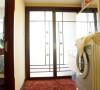 客卫的空间,干湿分区,洗衣机放在外面,充分的利用了每一处空间。