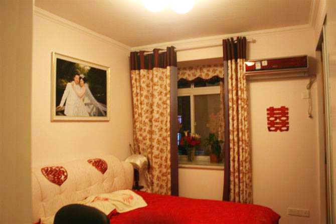 简约 二居 白领 80后 婚房 卧室图片来自武汉实创装饰在汉阳怡园的温馨简约婚房的分享