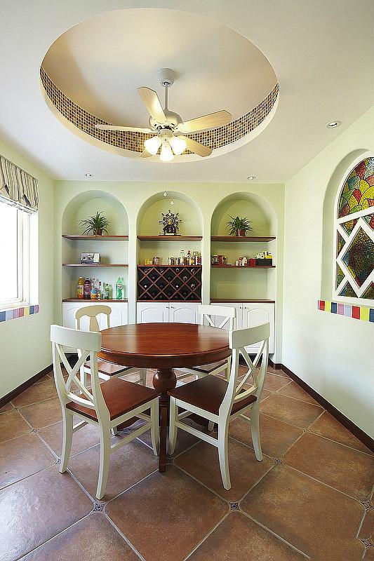 田园 美式 实创装饰 三居 复式 收纳 餐厅图片来自武汉实创装饰在打造上城明珠美式田园的分享