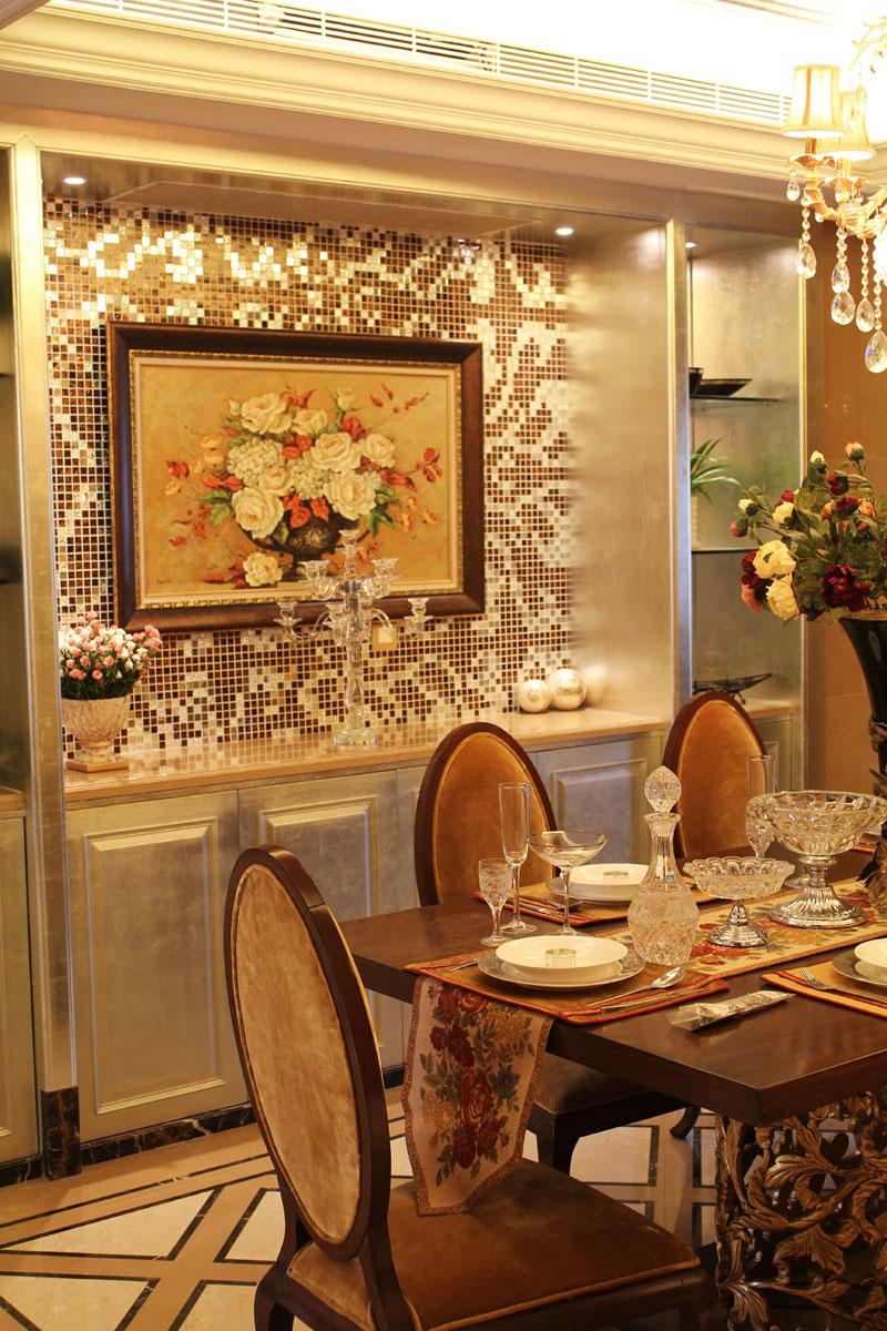 餐厅图片来自潍坊万泰装饰在震撼样板间 320平奢华欧式别墅的分享