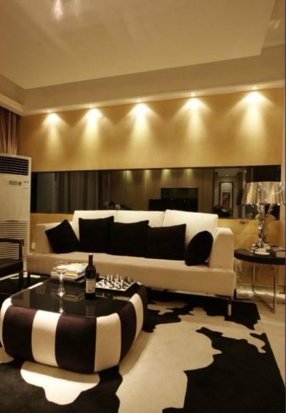 简约 三居 白领 收纳 80后 客厅图片来自武汉实创装饰在110平浪漫舒适时尚三居的分享