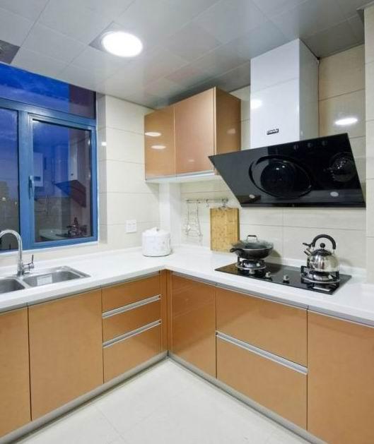 简约 二居 白领 80后 婚房 厨房图片来自武汉实创装饰在汉阳怡园的温馨简约婚房的分享