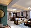 客厅和餐厅一体使空间更为开阔,餐边柜更营造了一个视觉焦点