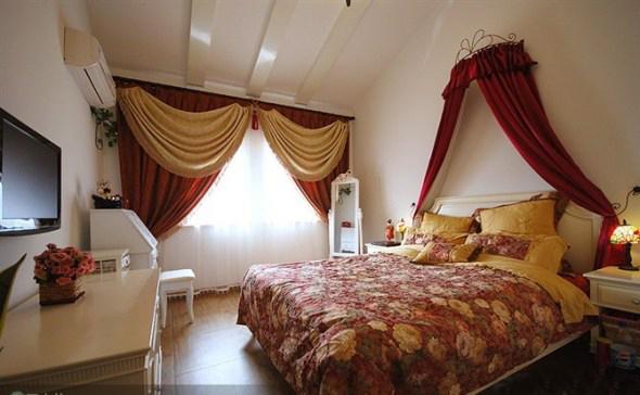 地中海风格 实创装饰 二居 白领 收纳 80后 卧室图片来自武汉实创装饰在顶层阁楼loft温馨地中海小家的分享