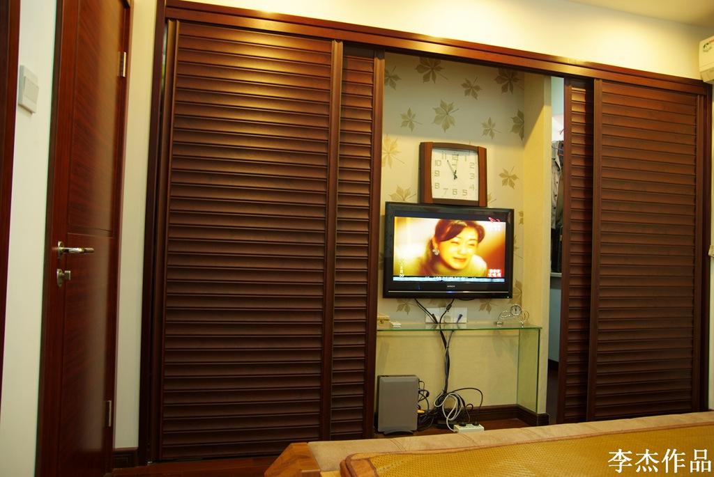 简约 混搭 三居 白领 收纳 小资 卧室图片来自武汉实创装饰在大胆的突破,大两居时尚混搭风的分享