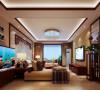 明快温馨,有轻有重,简约大气。 设计理念:客厅的家具有部分是业主需要保留的,设计师在业主保留家具的基础上为其点缀了些中式元素做装饰,使整个空间看起来既有装饰感又不显传统中式的沉重。