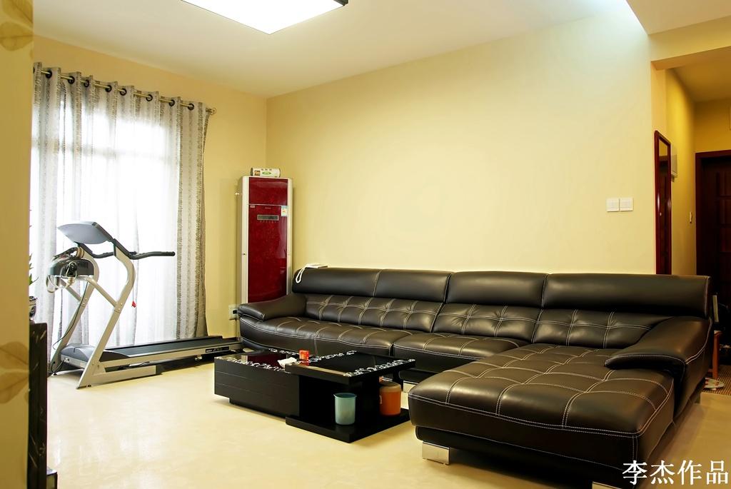 简约 混搭 三居 白领 收纳 小资 客厅图片来自武汉实创装饰在大胆的突破,大两居时尚混搭风的分享