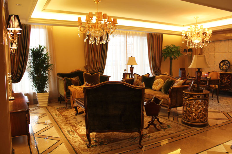 客厅图片来自潍坊万泰装饰在震撼样板间 320平奢华欧式别墅的分享