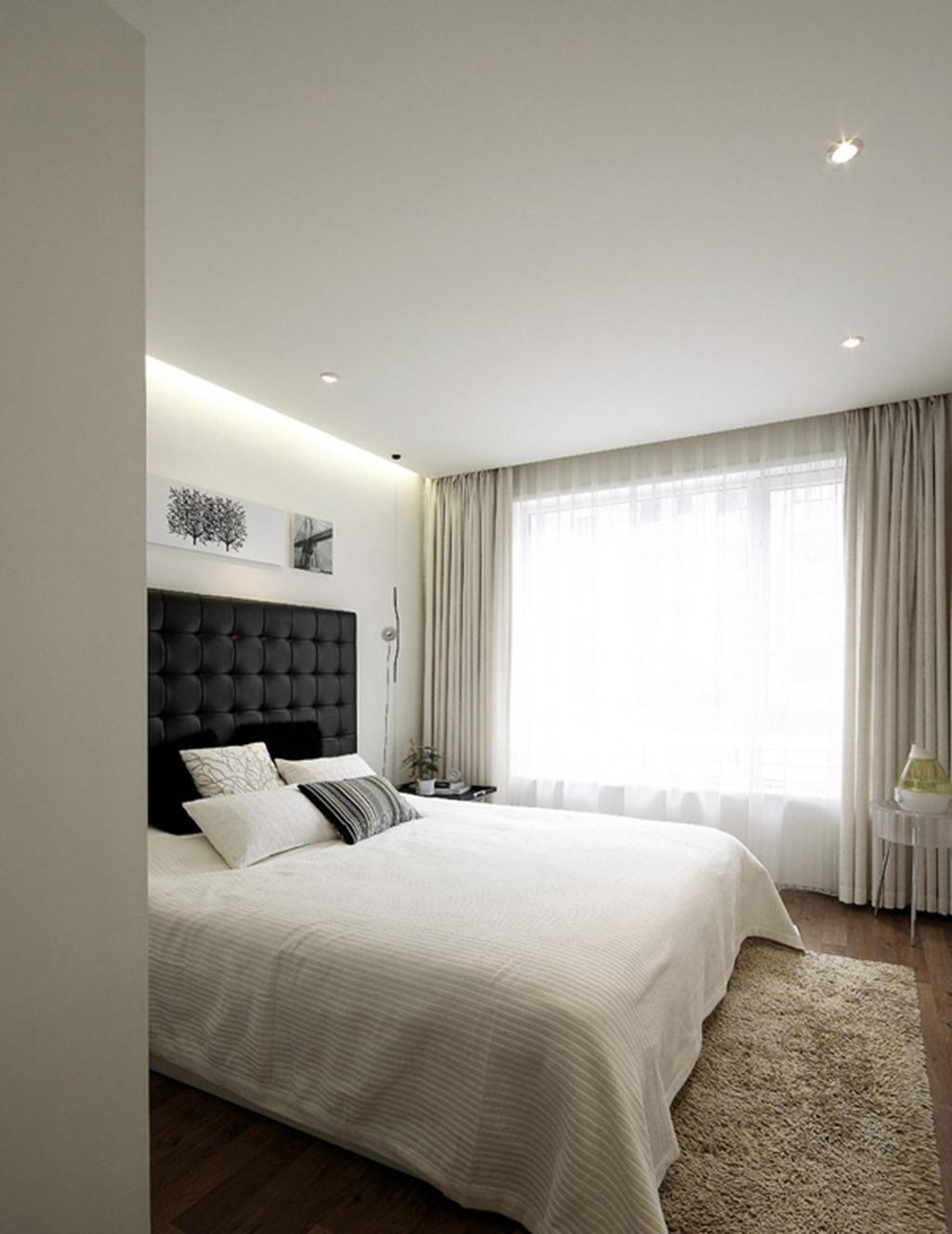 简约 三居 白领 收纳 小资 卧室图片来自武汉实创装饰在现代时尚的128平米水岸星城三居的分享