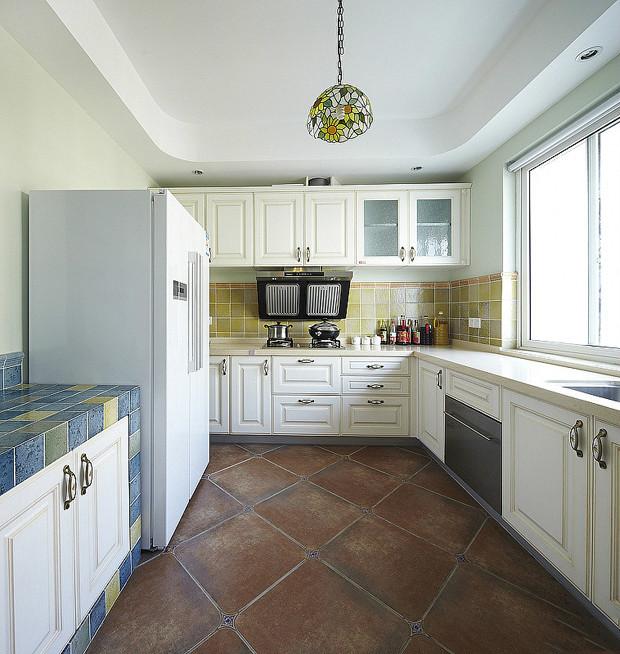 田园 美式 实创装饰 三居 复式 收纳 厨房图片来自武汉实创装饰在打造上城明珠美式田园的分享
