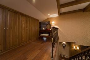 美式 别墅 舒适 大气 奢华 楼梯图片来自武汉实创装饰在玉龙岛美式乡村别墅的分享