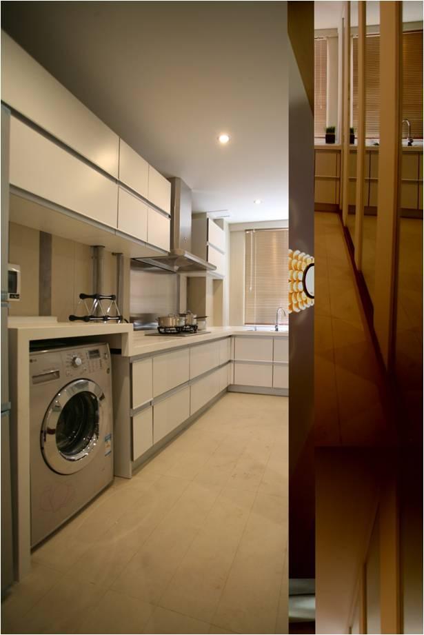 厨房图片来自轻舟装饰-90后的华仔在红木林-55平米-现代风格的分享